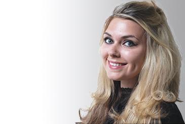 Headshot of Charlotte Curl